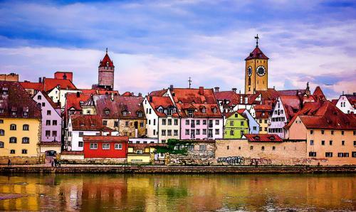 Advanced-Color-HM-Regensburg Waterfront-TawniBlamble