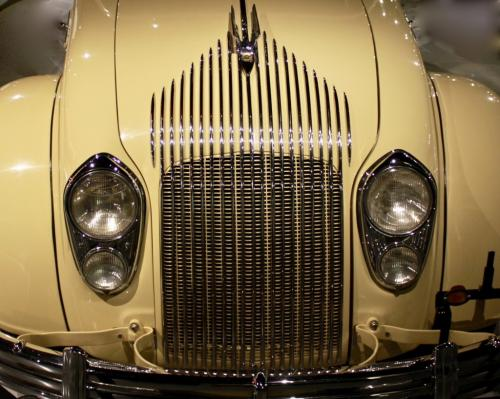 Novice-HM-1934ArtDecoChryslerAirflow-MacLambert