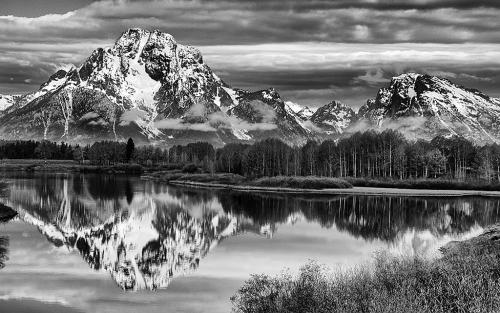 Advanced-Monochrome-1st-Morning Mountain Pictures-Karen Cox