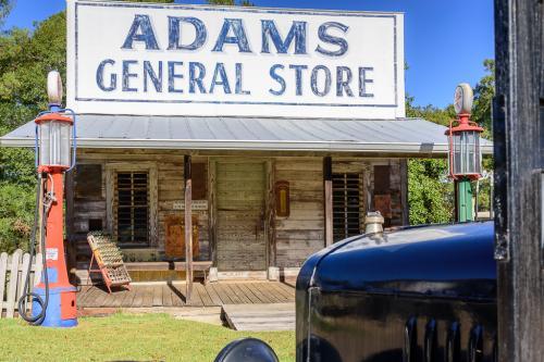 Adams Store