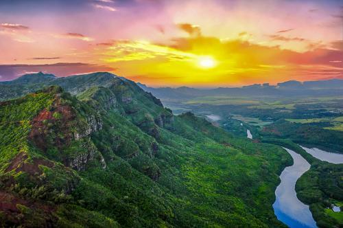 Hawaiian Sunrise - Glen Clark
