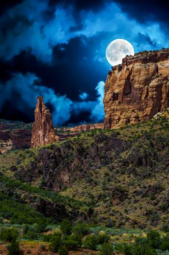 Monument Moon - Glen Clark